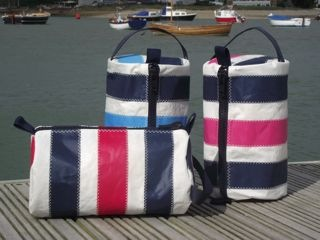a)  Striped wash bags