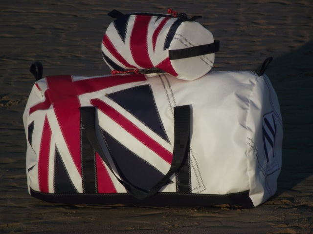 Large Union Jack Kit Bag & Wash Bag to Oz