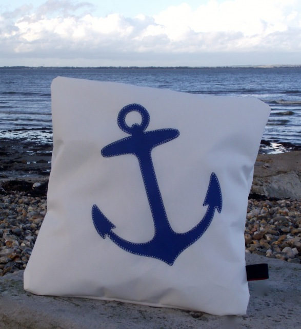 4b  Anchor Sailcloth Cushion